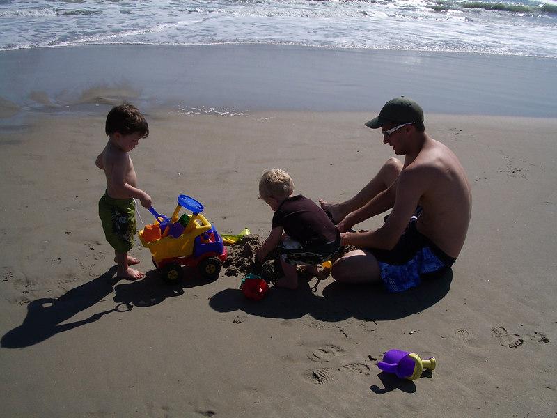 OBX 2006 Cade-Jack-Daddy Beach
