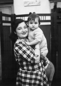 Annem ve Osman abim, Tire, 1948