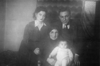 Nur ablam, 1945