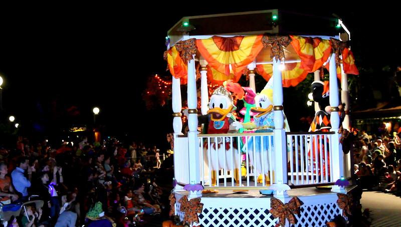 Disney 2009 Oct Shades of Green HDTV Clips (15)