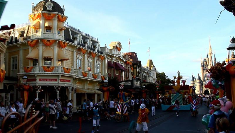 Disney 2009 Oct Shades of Green HDTV Clips (32)