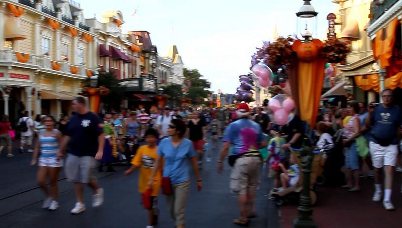 Disney 2009 Oct Shades of Green HDTV Clips (48)