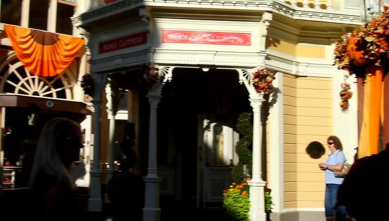 Disney 2009 Oct Shades of Green HDTV Clips (27)
