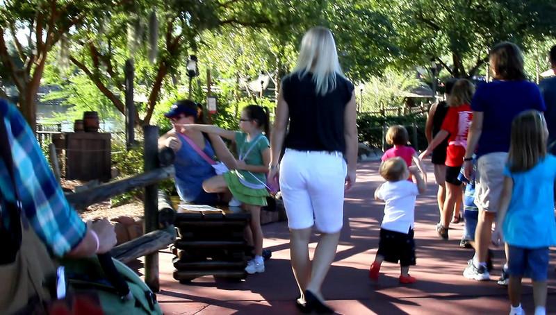 Disney 2009 Oct Shades of Green HDTV Clips (45)