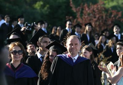 Tören alanına öğrencilerin girişi