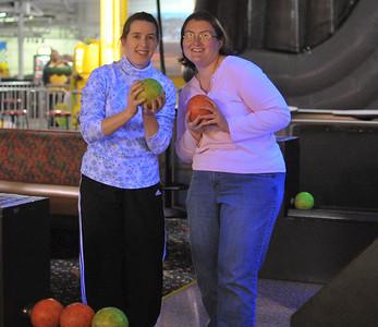 Ellen and Kristin Bowling