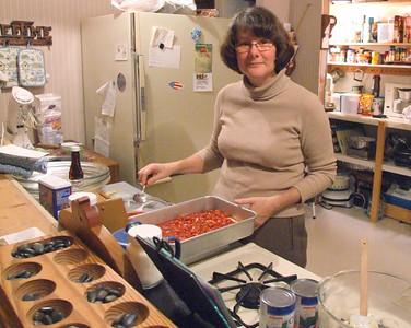 mom baking food !