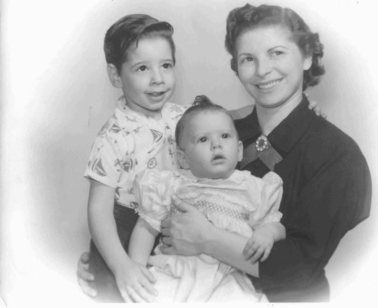 Kenneth, Rita, and Regina Lipman, 1955?, Chicago