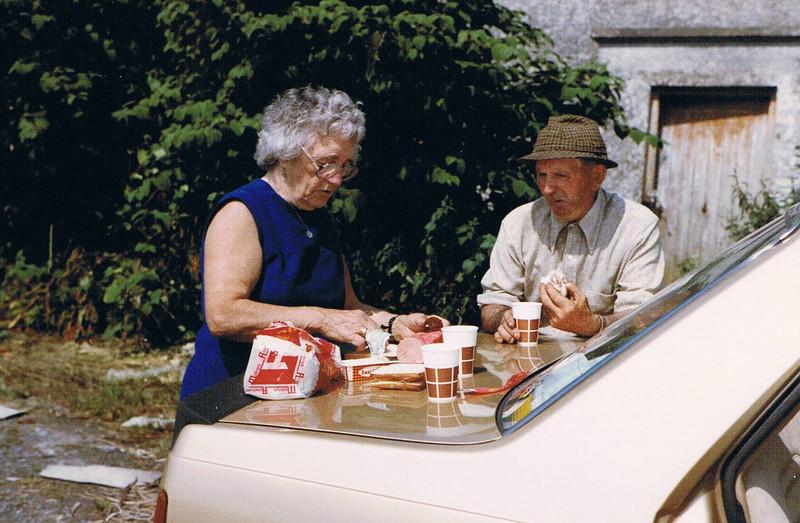 Mom and Mick picnic on the way to Sligo
