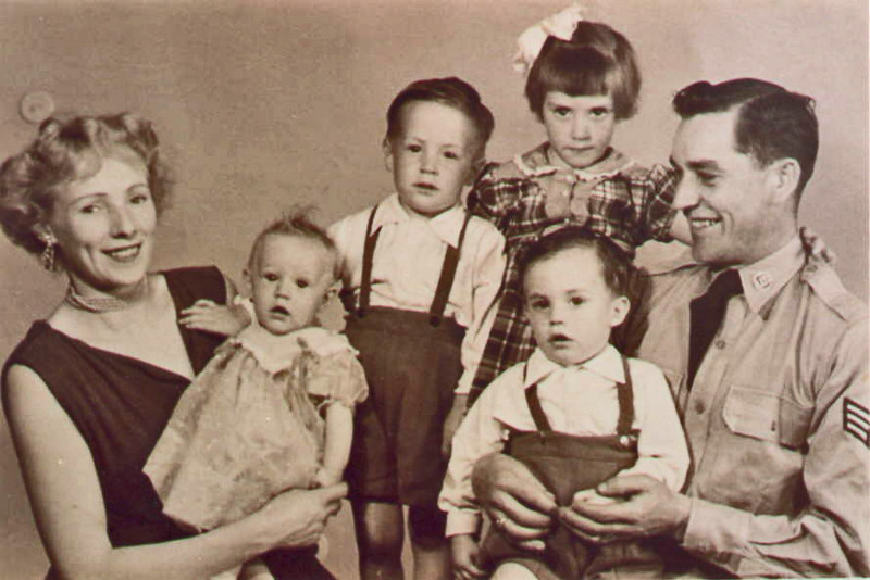 1960 (?) Tommy & Margaret Monahan<br /> With 5 of their children: Mary, Michael, Tommy & Carol