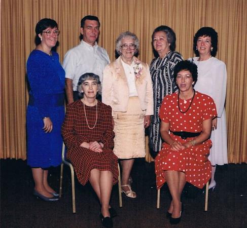 Me, Bobby, Mom, Kitty, Joan, Mary and Patsy
