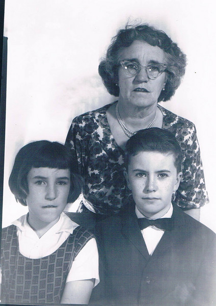 Karin_Mom_Tommy_1964_passport