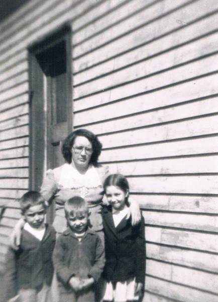 Richard_Bob_Mom_Patsy_1946