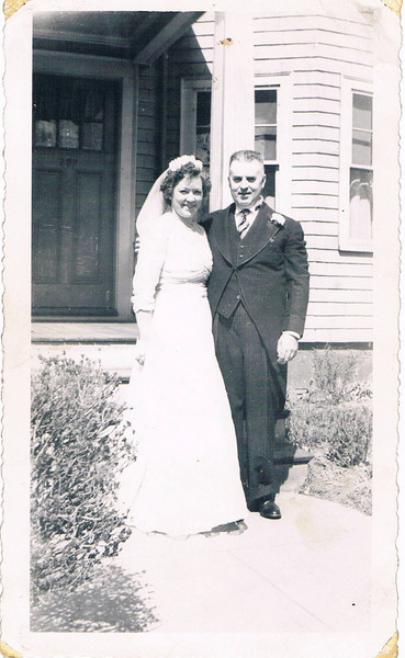 Frances_and_Domnick_at_Larkin_wedding_1945
