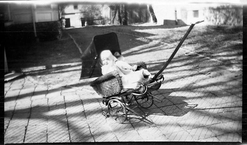 Dorothy  Heysinger abt 1921