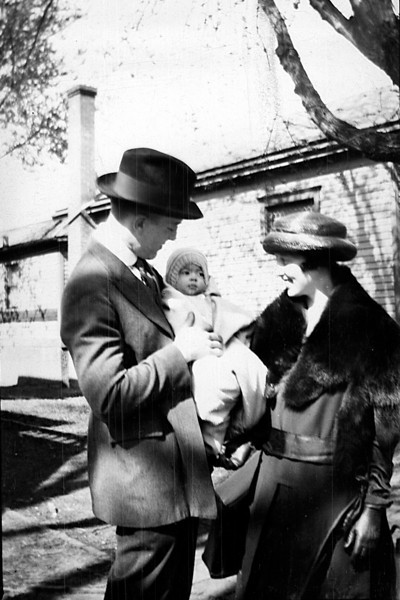 "Adelia ""Dot"" and Charles Heysinger, <br /> With daughter, Dorothy  abt 1921"