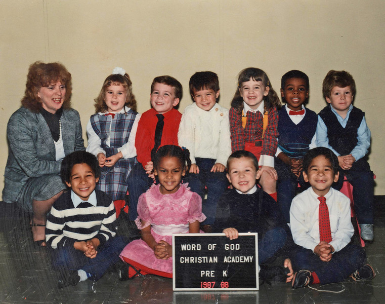 1988 Kerrie (back row, 3rd from right)