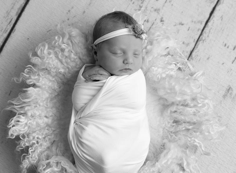 Johnson, Cora Jean Newborn (149)-Edit-3