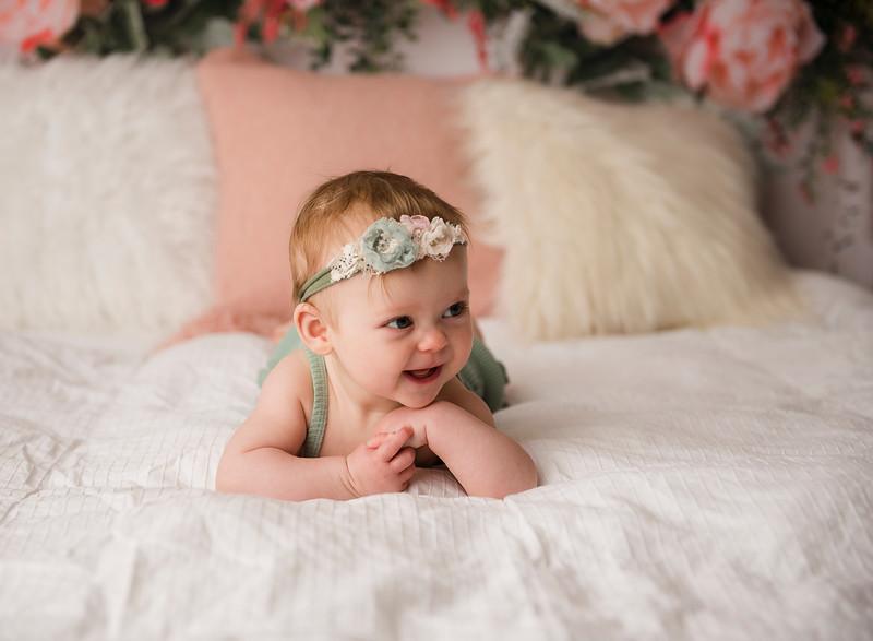 Larson, Violet Six Month (35)