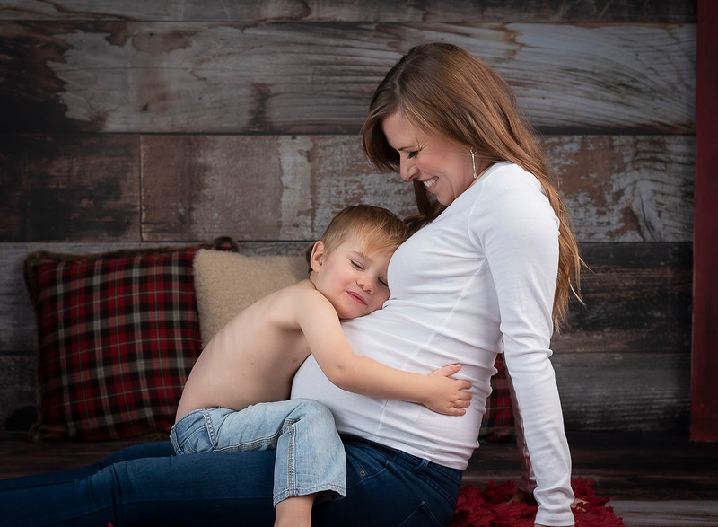 Aleks Mortenson Maternity (238)