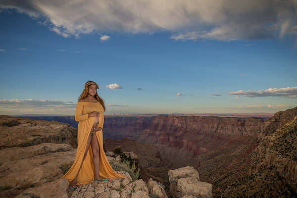 Jerenda's Maternity Photos at the Grand Canyon