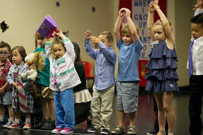 018-Los-Angeles-Family-Birthday-Preschool-Graduation-Catherine-Lacey-Photographer-Elsey