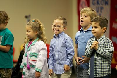 024-Los-Angeles-Family-Birthday-Preschool-Graduation-Catherine-Lacey-Photographer-Elsey