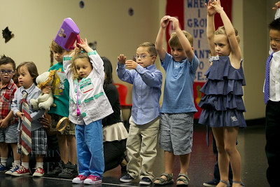 017-Los-Angeles-Family-Birthday-Preschool-Graduation-Catherine-Lacey-Photographer-Elsey