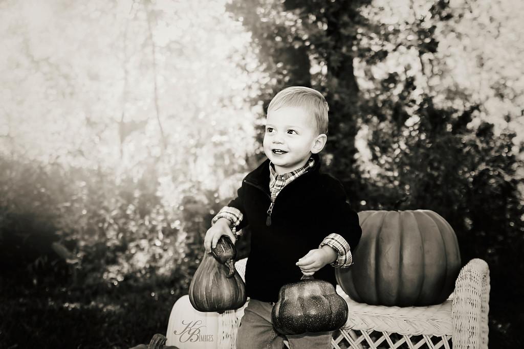 _ Pumpkin (23) BW-Contrast