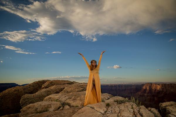 Grand Canyon Maternity Shoot