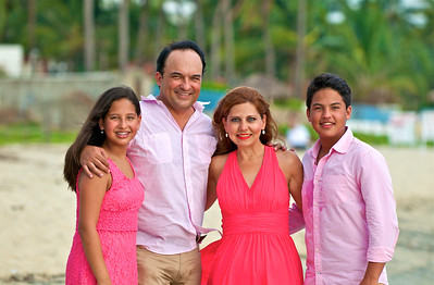 Famila Guajardo Puerto Vallarta Mexico Julio 2014 by Andres Barria Photography