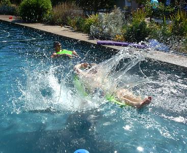 Jennifer's huge splash!