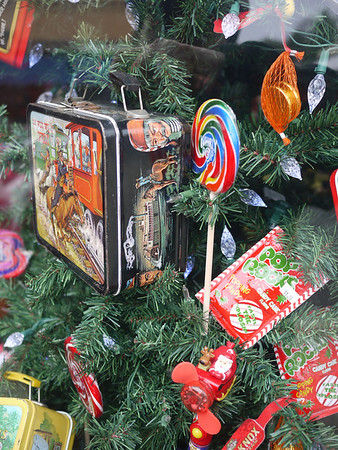 Xmas tree with vintage lunch box decorations