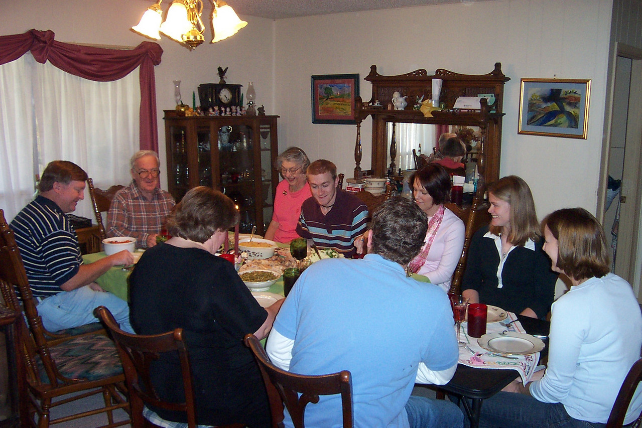 We actually had our big Thanksgiving meal on the Saturday after Thanksgiving.  Josh and Kalyn weren't able to be with us on the actual day.
