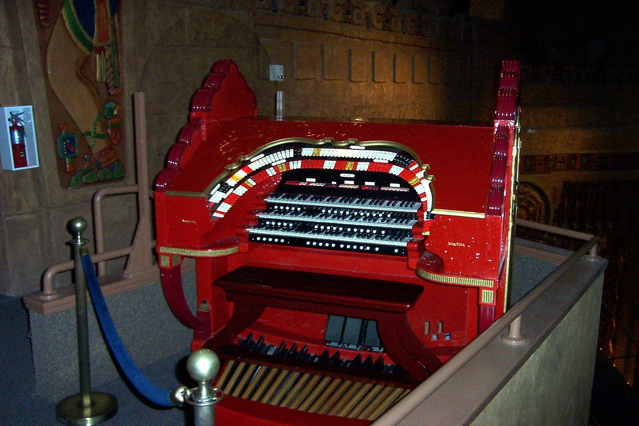 [San Antonio - Aztec Theater]  The Wurlitzer organ console (not the original, sadly) is automated today for a pre-film concert. The organ sounds great!