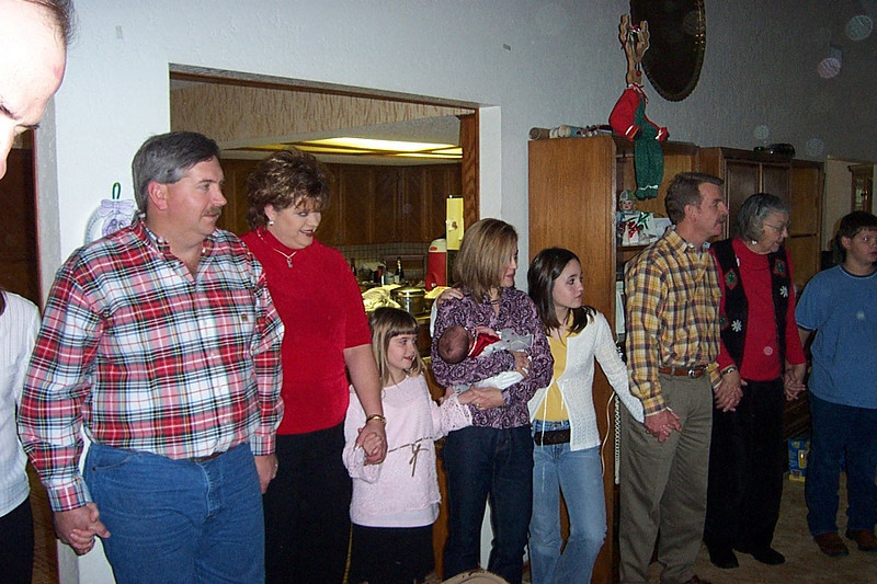 Christmas with the Pfeuffers.  At left is Sharon's husband Wesley.  Christy's husband (whose name I can't remember) is in the yellow shirt at right.