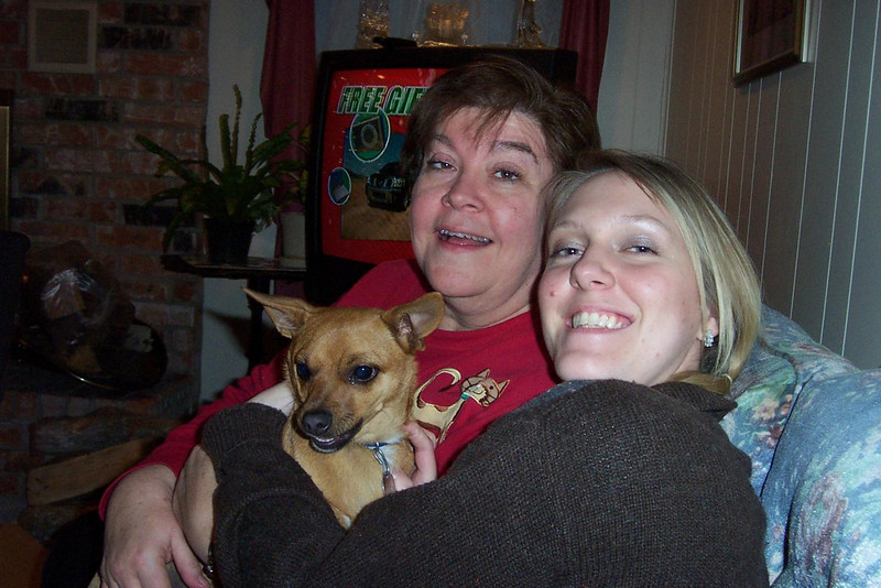Say cheese!  Wendy, Kalyn, and even Roxy smiles for the camera!