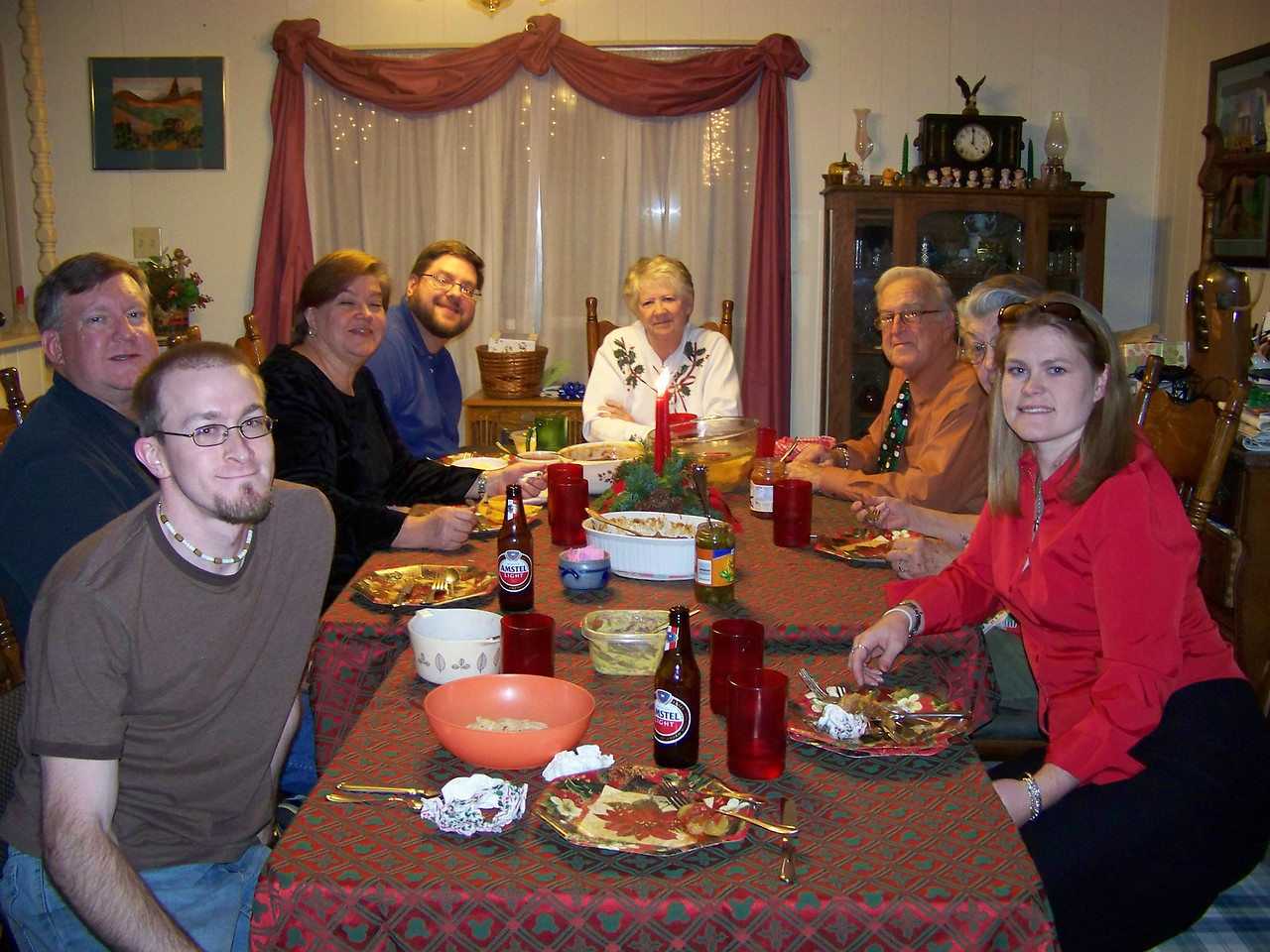Christmas Eve dinner means tamales!!  Clockwise from left:  Josh, Mark, Wendy, Jon, Sheri, Dad, Mom, Jenna (thanks for taking the picture, Kalyn!)