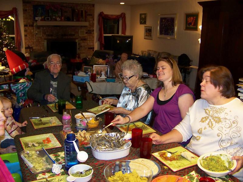 Kalyn, Embyr, Dad, Aunt Pet, Jenna, Wendy.  Christmas eve dinner.