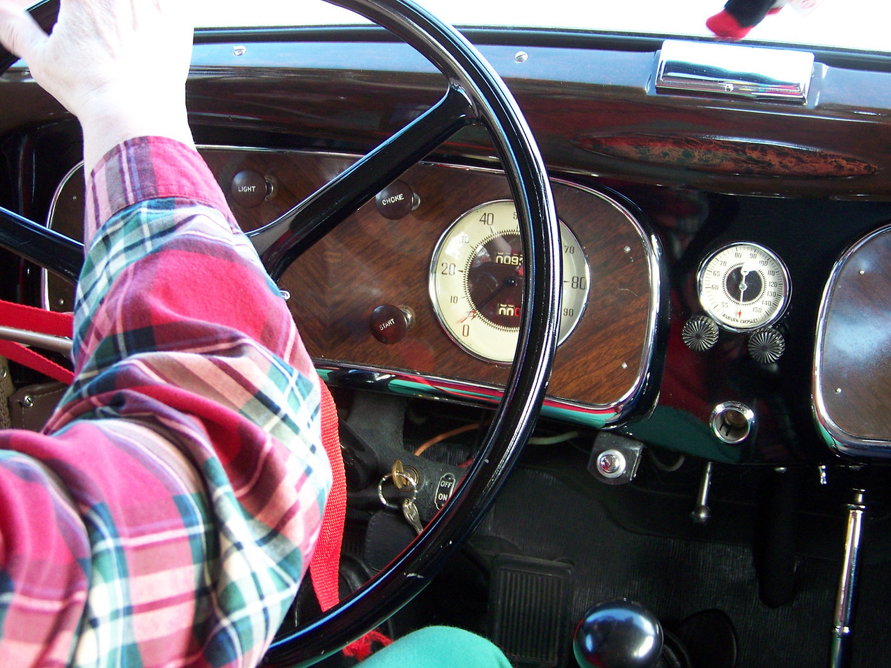 A closer look at the dashboard.<br /> [1934 Auburn antique car]