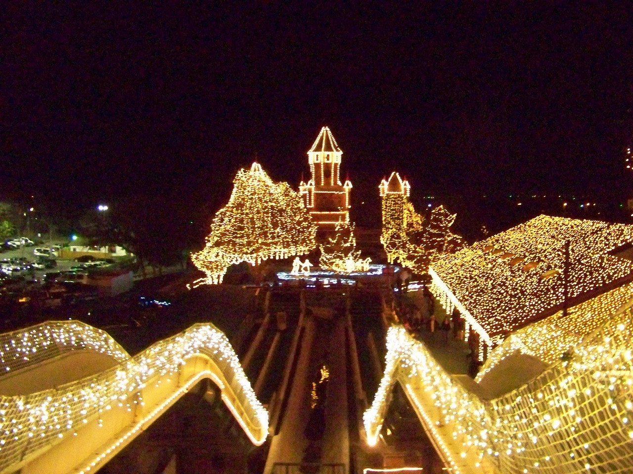 The view from the top of the big (now dry) water slide, right before I slid down.<br /> [Schlitterbahn's Hill Country Christmas 2009]