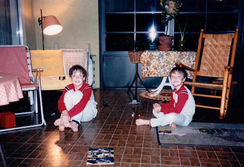 Jonathon and Andrew - (December 27, 1986 / Manassas Circle; Williamsburg, Orange County, Florida) -- Jonathon and Andrew