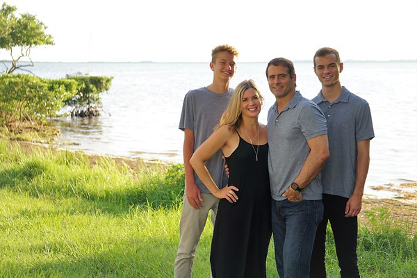Fallin Family, August 2017