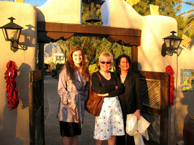 01/12/08: Lauren, Diane, and Annette at the entrance of Hacienda Del Sol