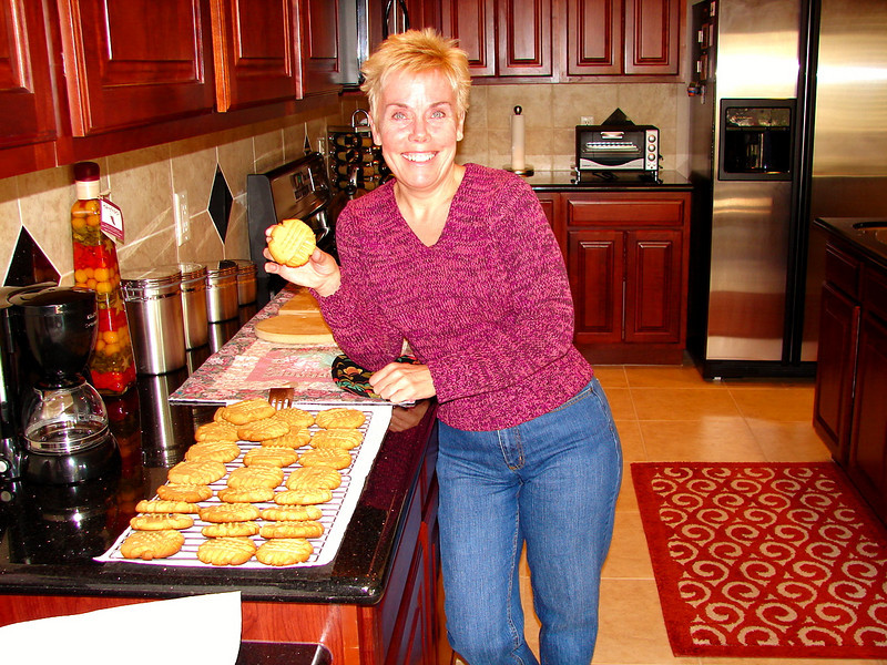 Christmas Eve: Diane's Old Fashioned Peanut Butter Cookies!