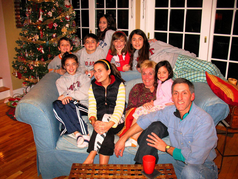 Tommy, Julia, Nick, Ali, Marisa, Emma, Talia, Auntie Diane, Genna, & Uncle Tom.