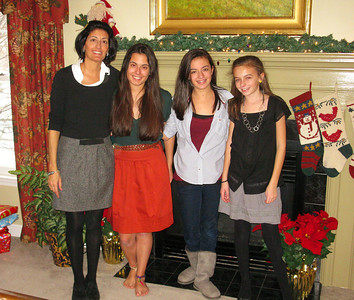 Lea, Ali, Julia, and Emma.