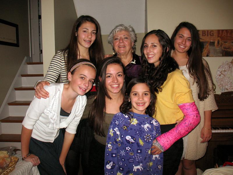 Emma, Talia, Julia, Mom, Genna, Marisa, and Ali.