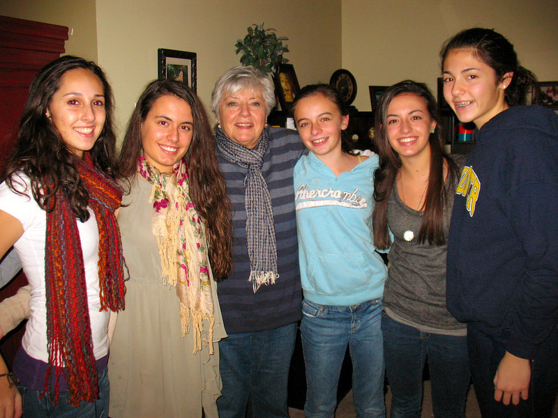 Marisa, Ali, Mom, Emma, Julia, and Talia.