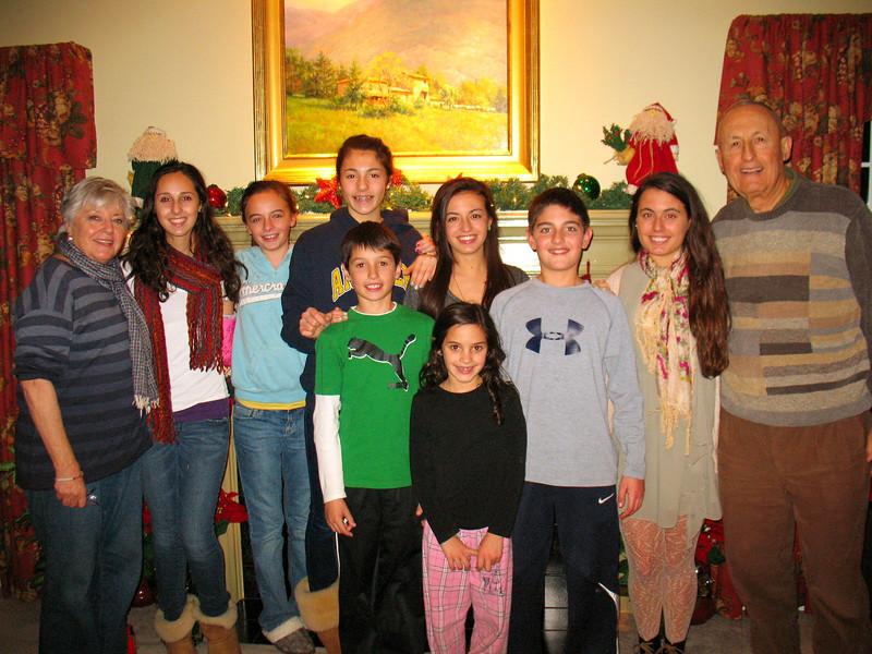 Mom, Marisa, Emma, Talia, Tommy, Genna, Julia, Nick, Ali, and Dad.